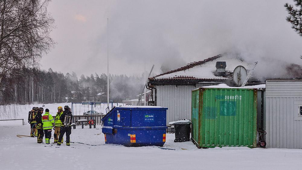 Norrköping: Pizzeria vid Kolmårdens djurpark förstördes i