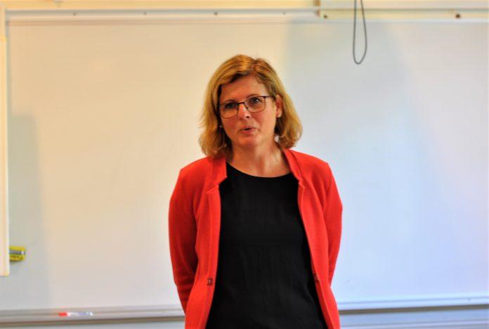 Helena Balthamma vill skapa förutsättningar för en utvecklad vård för de mest utsatta barn-och ungdomarna i länet. Foto: Tommy Pettersson